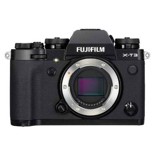 Fujifilm X-T3 has an excellent image processing sensor that clears out most of the noise in a dark set like a concert.