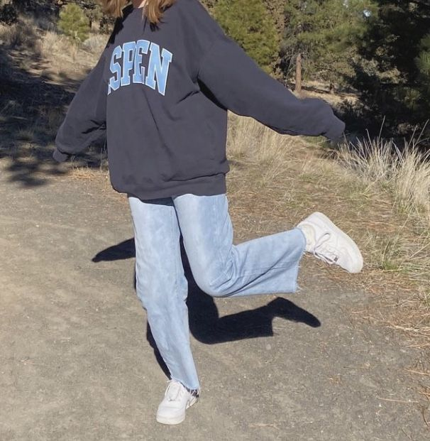 Use baggy clothes to take your photographs